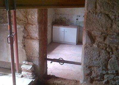 Ouverture et réparation d'un linteau en pierre et étaiement sur Aigurande